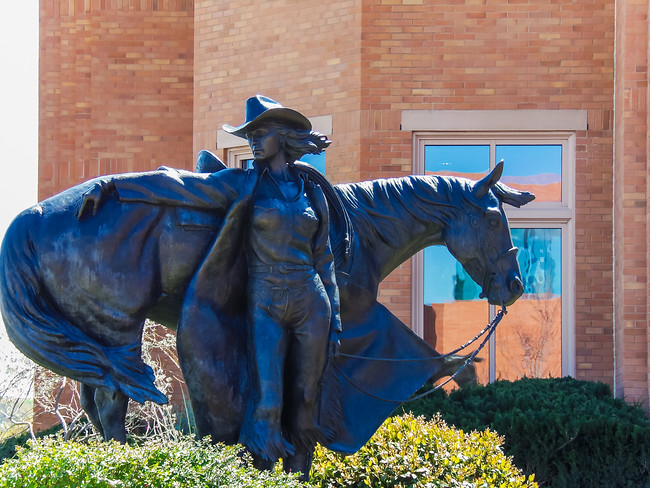 National Cowgirl Museum statue